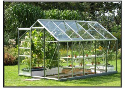 Kasvuhoone venus klaasist kattega