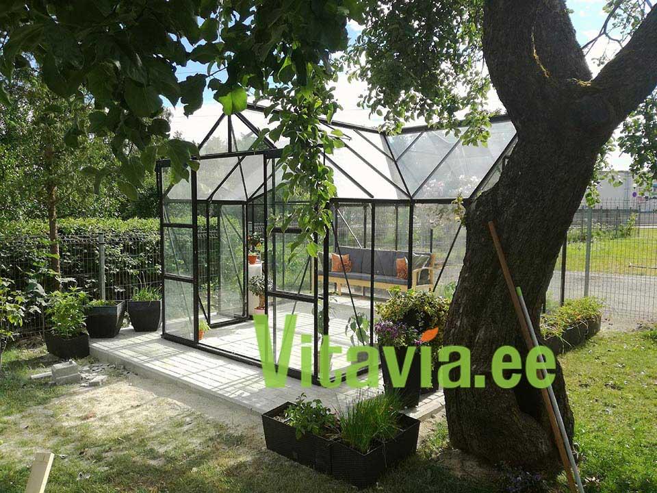 Kasvuhoone-puhkemaja