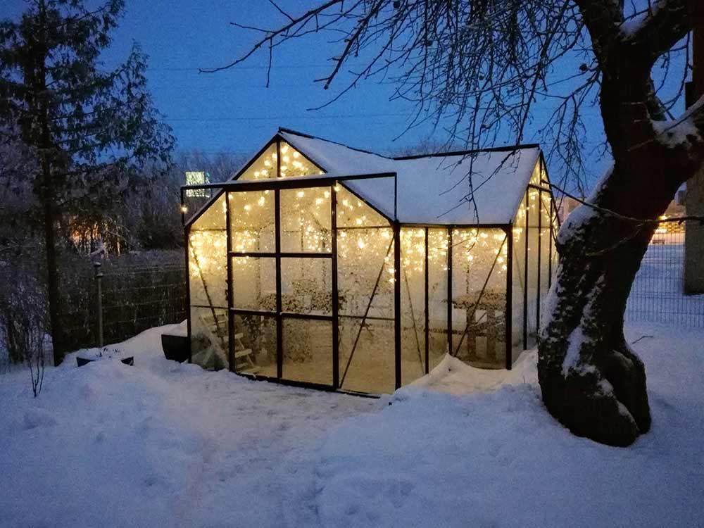 Kasvuhoone Vitavia Sirius valgustusega