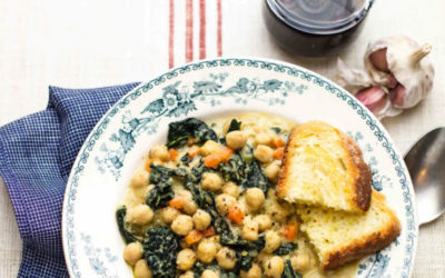 Toscana kikerherne ja lehtkapsa supp röstitud saiaga